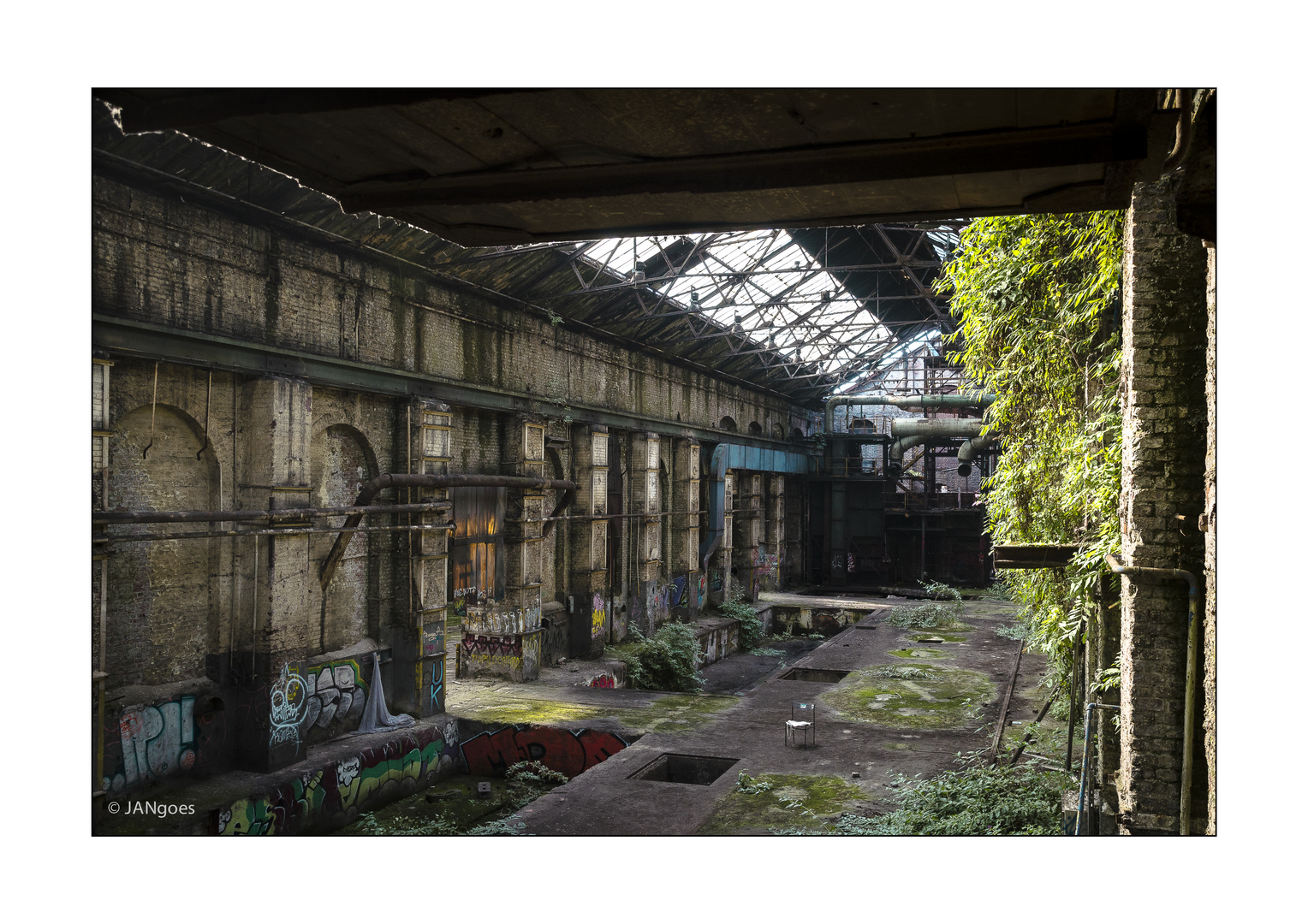 Industrie 004