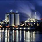 Industrie .... am Rhein