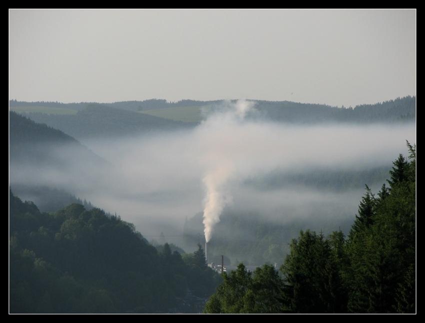 Industrie-Morgennebel ......
