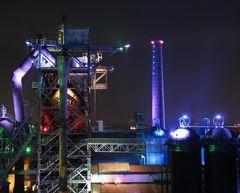 Industrieruine bei Nacht