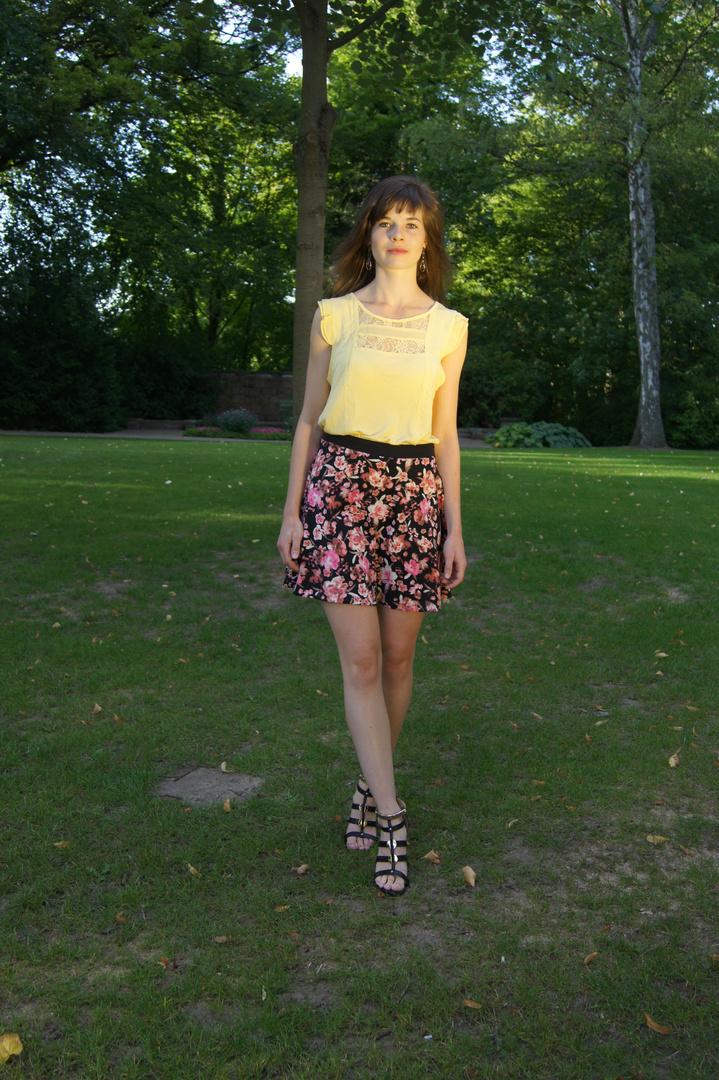 Ines im Park