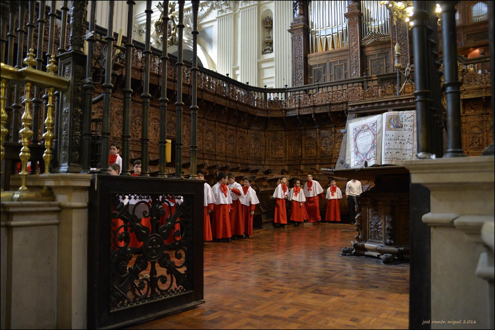 Infanticos en el coro