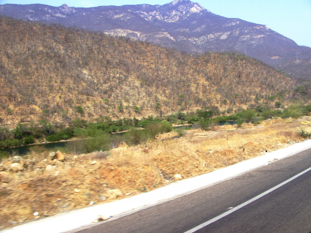 Infiernillo, Michoacán. 40ºC a la sombra.