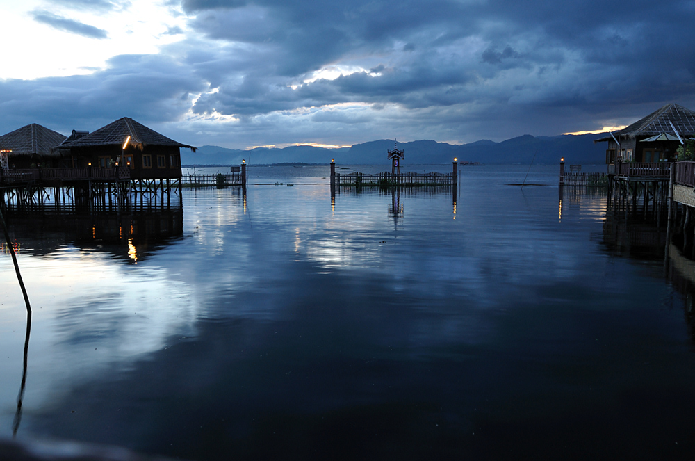Inle See kurz nach dem Sonnenuntergang