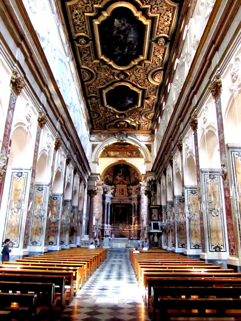Innenansicht des Doms von Amalfi