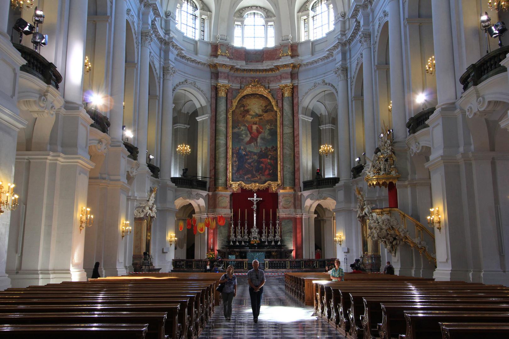 Innenaufnahme Hofkirche Dresden