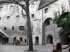 Innenhof (Burg Burhausen)