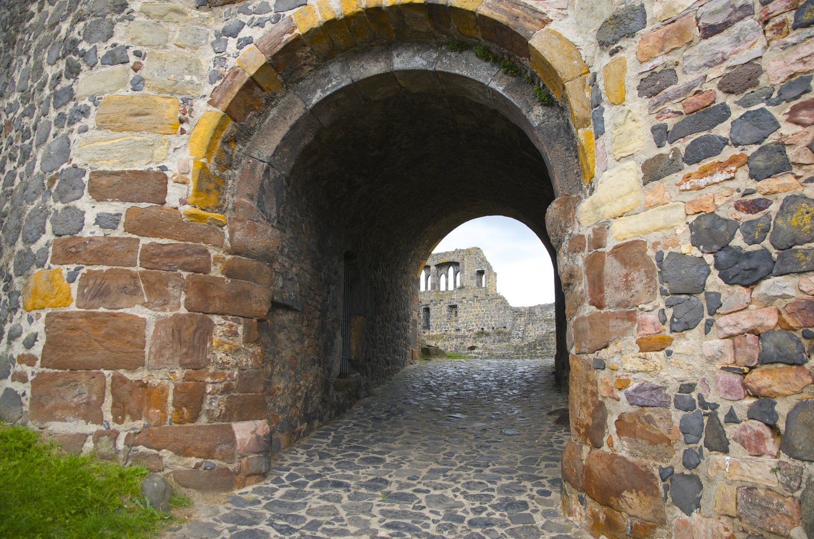 Innenhof der Burg Münzenberg