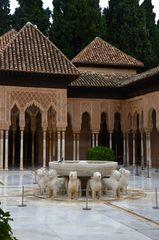Innenhof mit Löwenbrunnen Alhambra