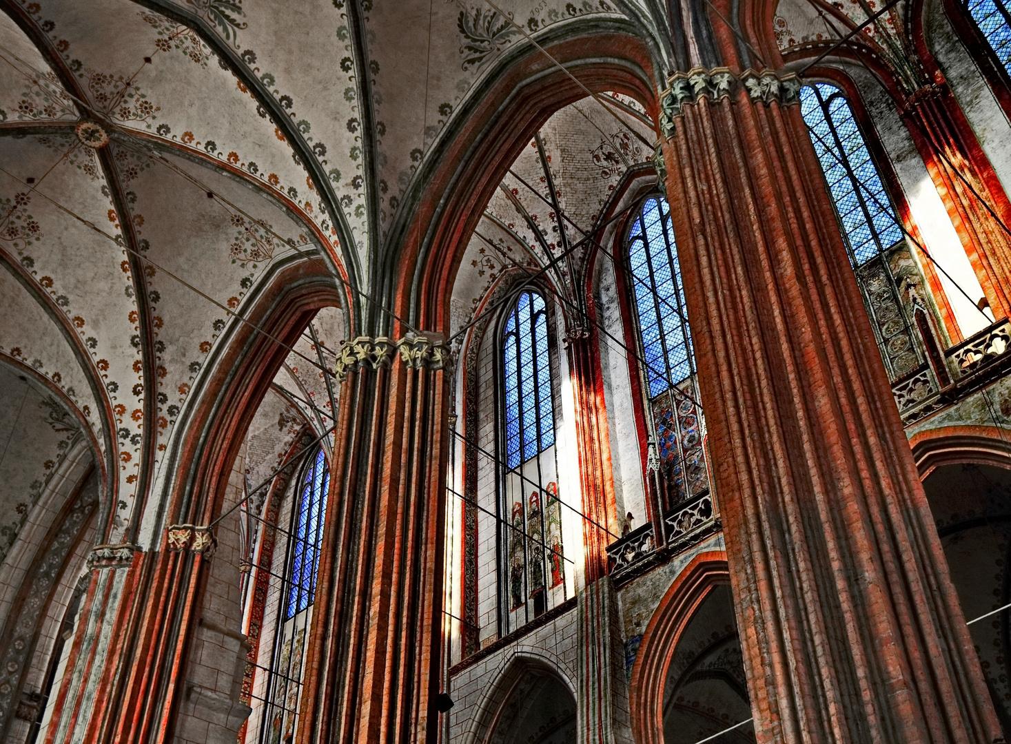 innenleben einer kirche II