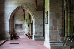Innenraum des Basler Münsters - Detail 01