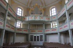 Innenraum mit Orgel Loschwitzer Kirche Dresden - ausgerichtet