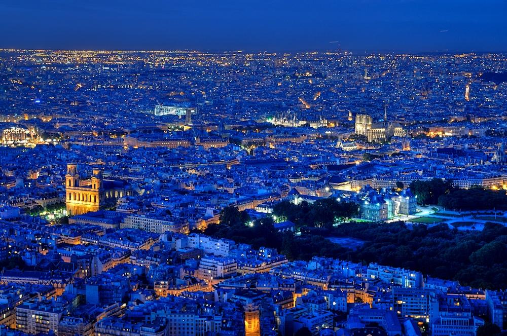 Innenstadt von Paris bei Nacht
