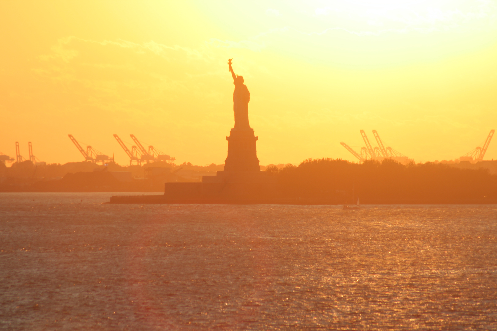Insel Liberty Island -Statue of Liberty in New York-