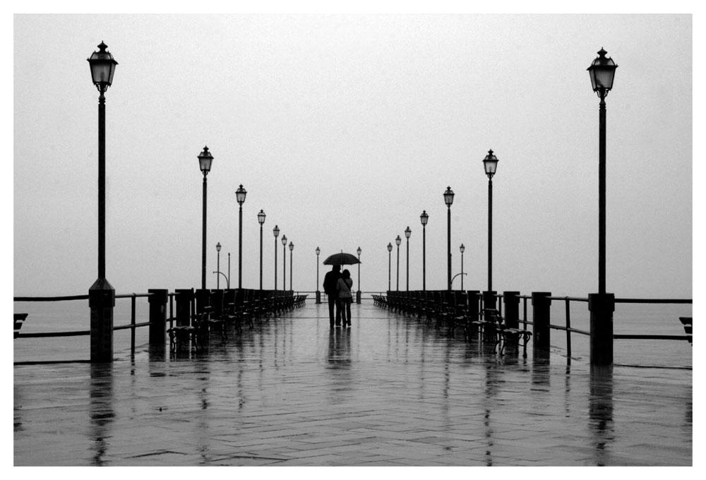 Insieme sotto la pioggia