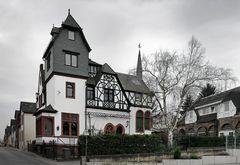Interessanter Baustil - Haus in Oestrich-Winkel