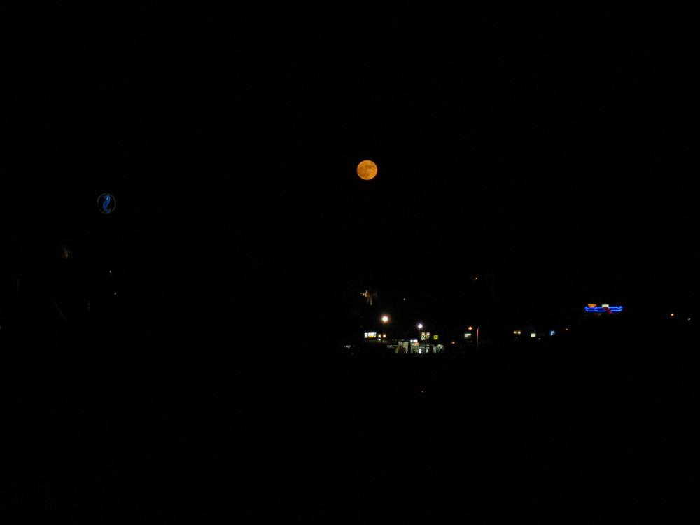 Interessanter Mond