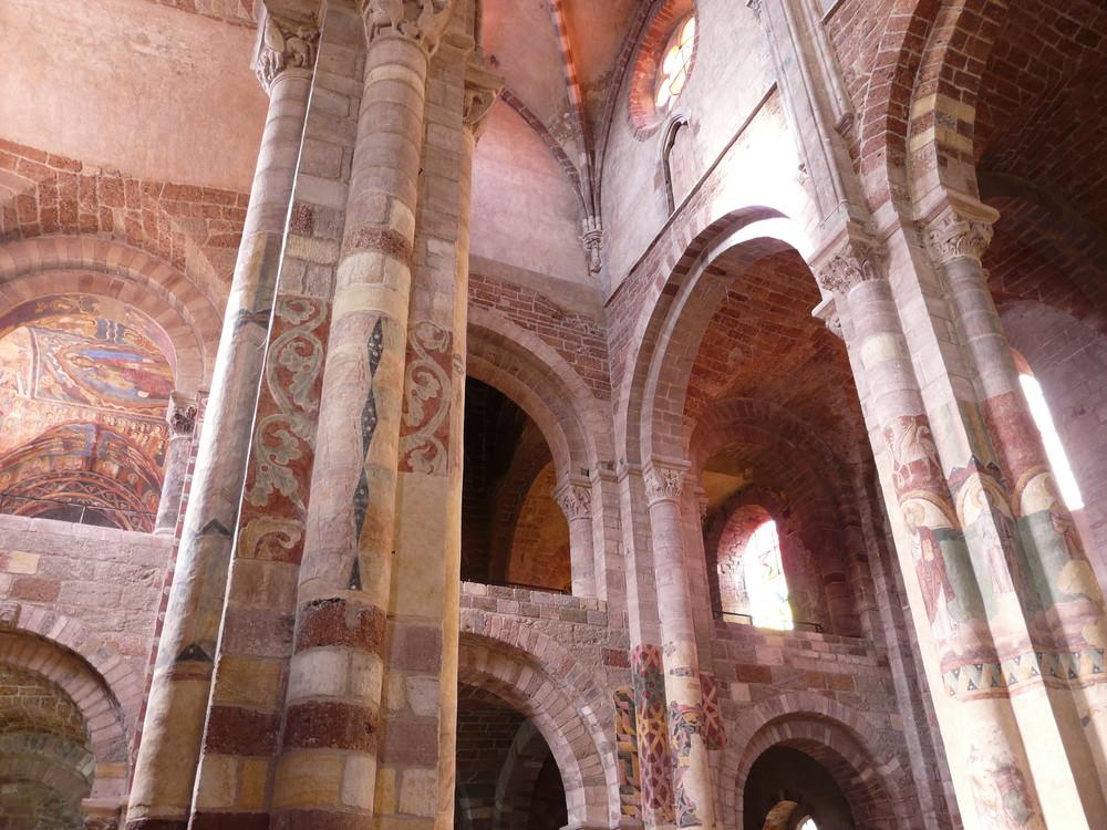 intérieur de l'église de Brioude (43)