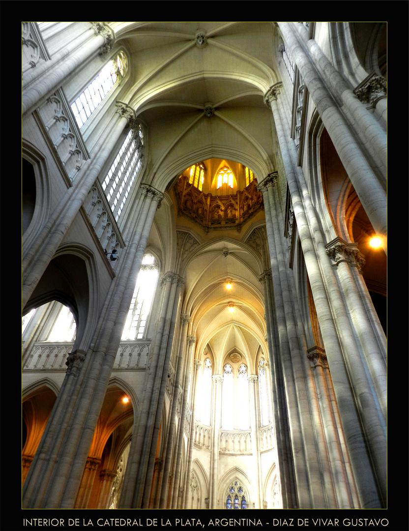Interior de la catedral de la plata Argentina - Diaz de vivar gustavo