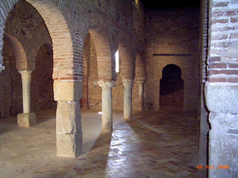 Interior de la Mezquita de Almonaster (1)