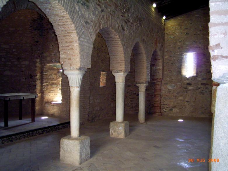 Interior de la Mezquita de Almonaster (2)