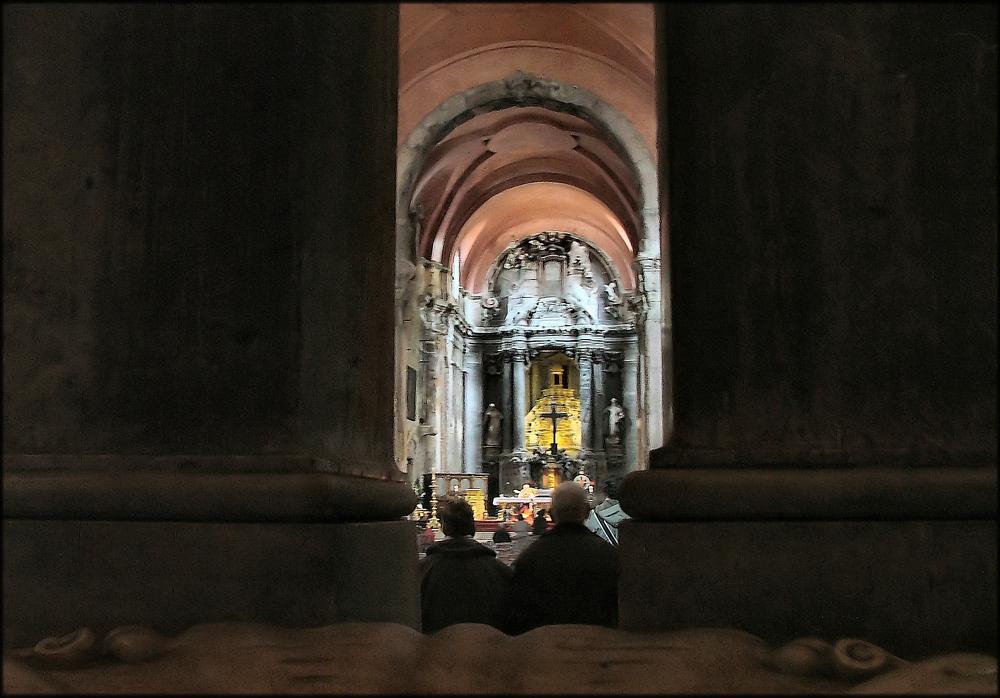 Interiore barocco della chiesa di S. Domingos