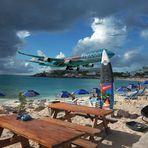 International Arrivals auf dem Surfbrett