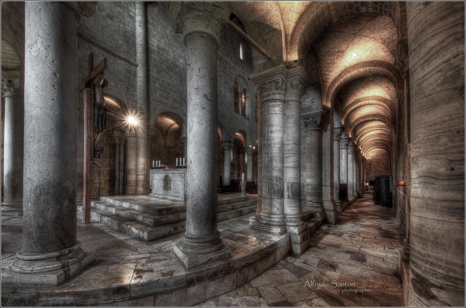 Interno abbazia di Sant'Antimo