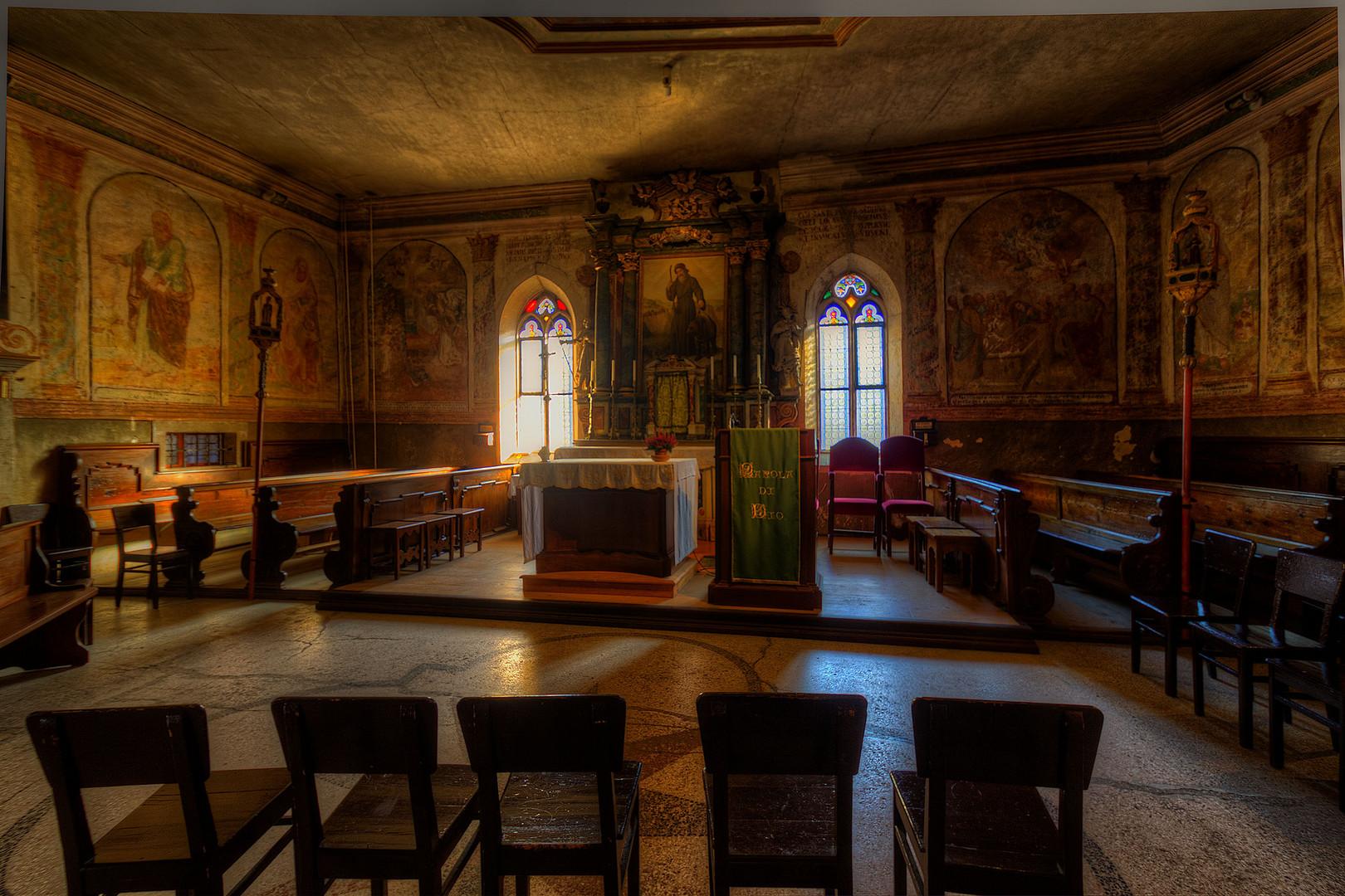 Interno Del Santuario Di San Romedio Foto Immagini