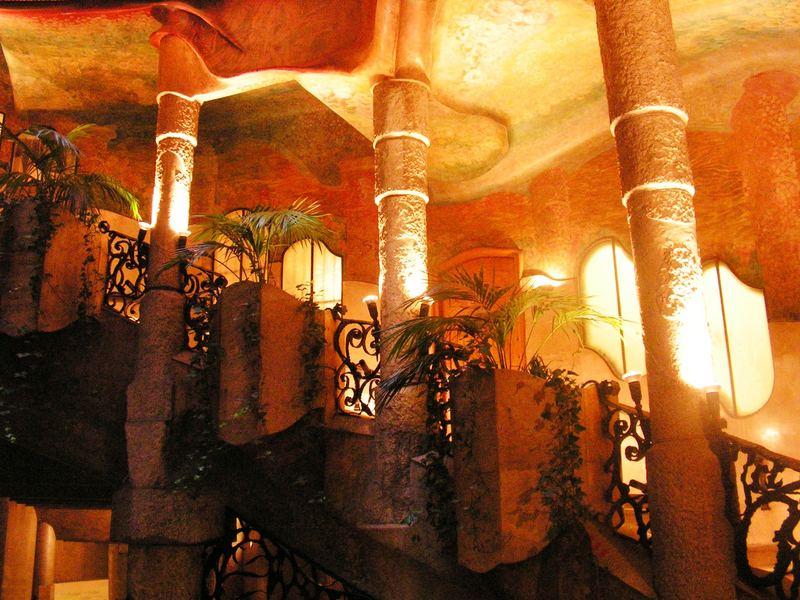 Interno della casa mil barcelona foto immagini for Interno della casa