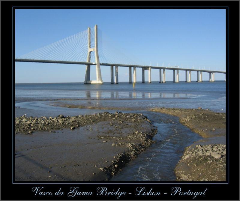 ...into the Tagus River - Ponte Vasco da Gama
