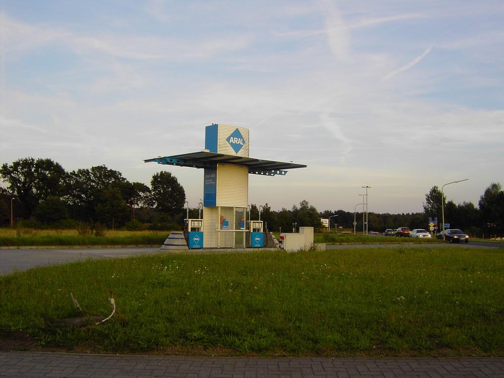 Irgendwo in Deutschland: Tankstelle