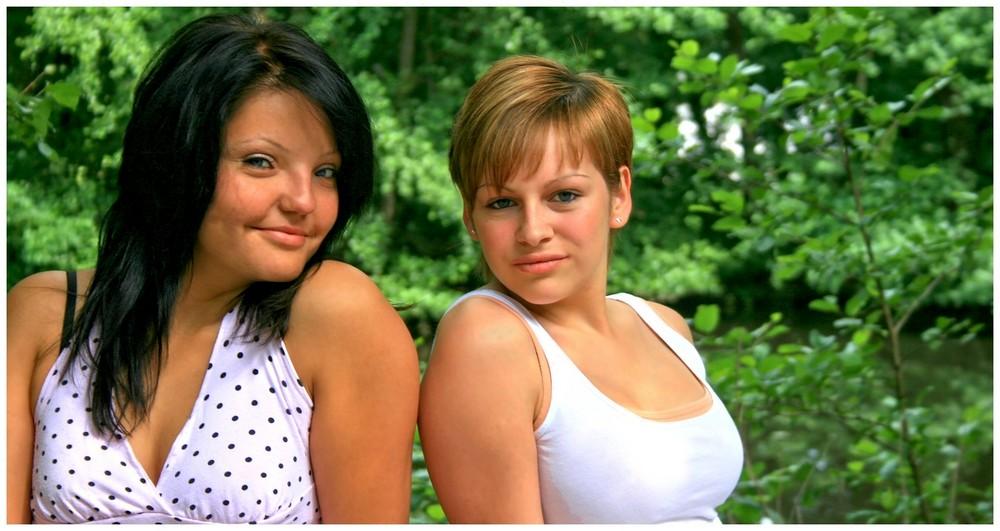 Irina & Cindy 02