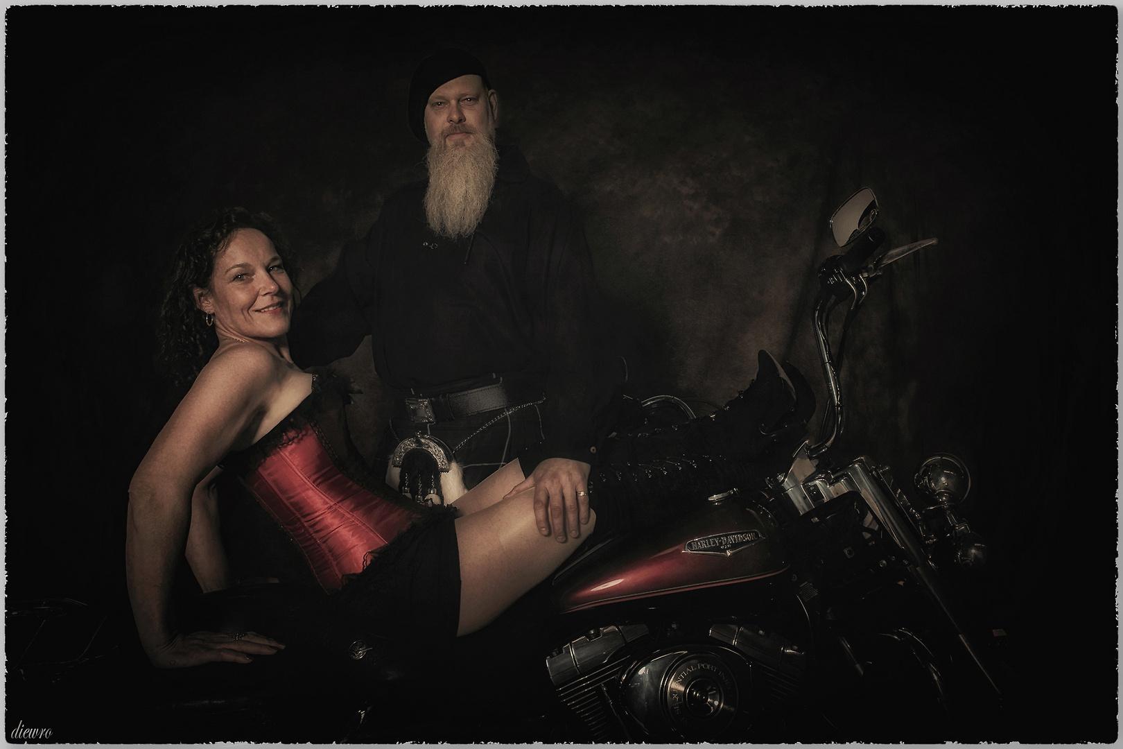 Irish Whiskey Man Olli & Biker-Lady Mandy