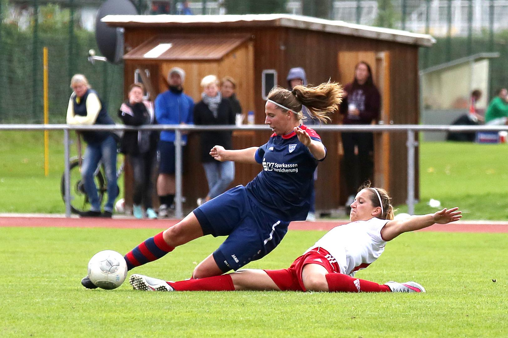 Isabell Welke Im Zweikampf Foto Bild Sport Ballsport