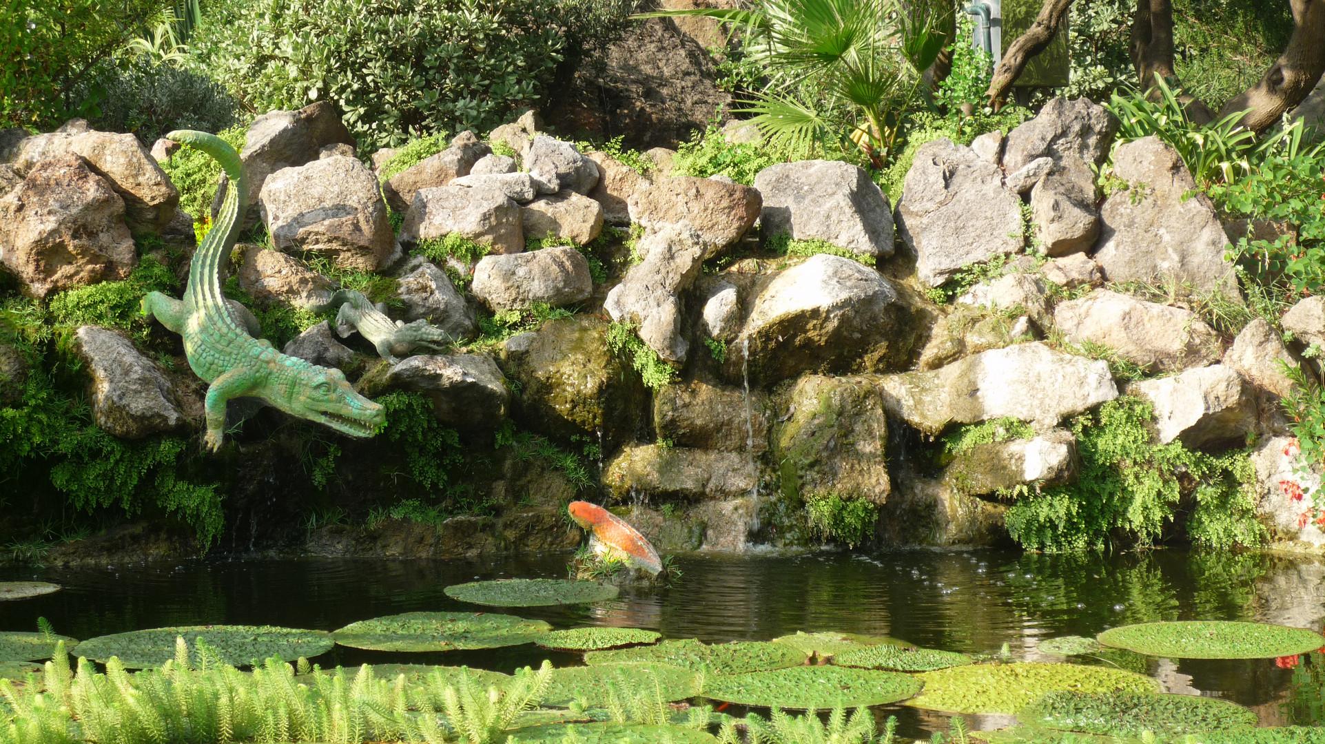 Ischia - Giardini La Mortella - La fontana del coccodrillo (3)