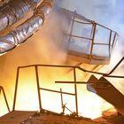 ISD HUTA CZESTOCHOWA - STALOWNIA, konwertor elektryczny KONEL podczas spustu stali.