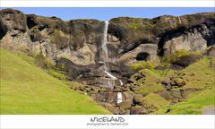 Island, Südosten, einer der vielen Wasserfälle