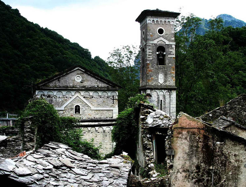 Isola Santa -- der Kirchturm