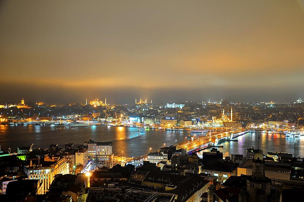 Istanbul - Goldenes Licht über dem Goldenen Horn