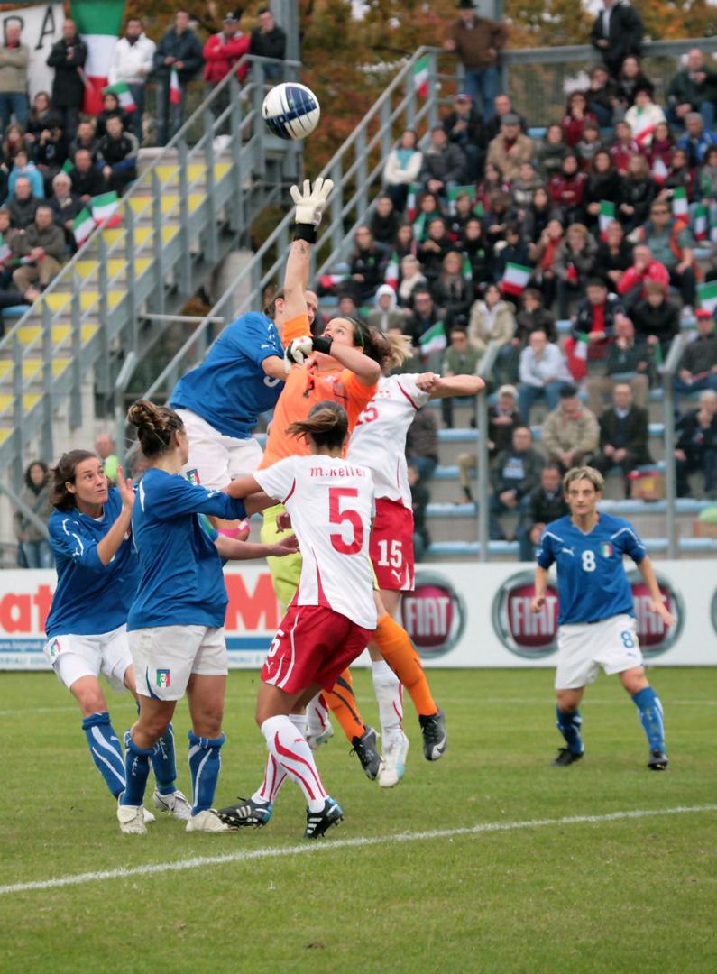 Italia-Svizzera calcio femminile qualificazione mondiali 2011