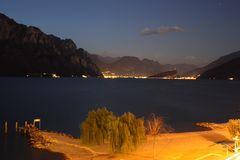 Italien - Nachtaufnahme Gardasee