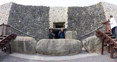 IVLT6783 Newgrange entrance