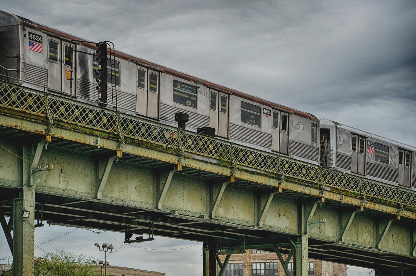 J Train nach Manhattan
