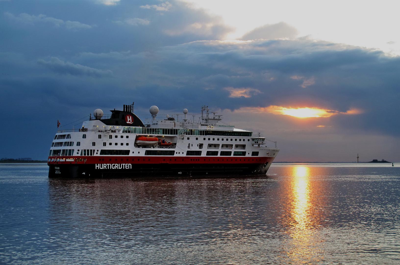 Ja, liegt Bremerhaven denn jetzt an einem Fjord ?