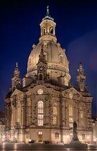 Ja richtig...die Frauenkirche. ;-)
