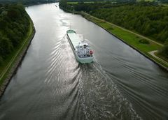 Jade im Kanal