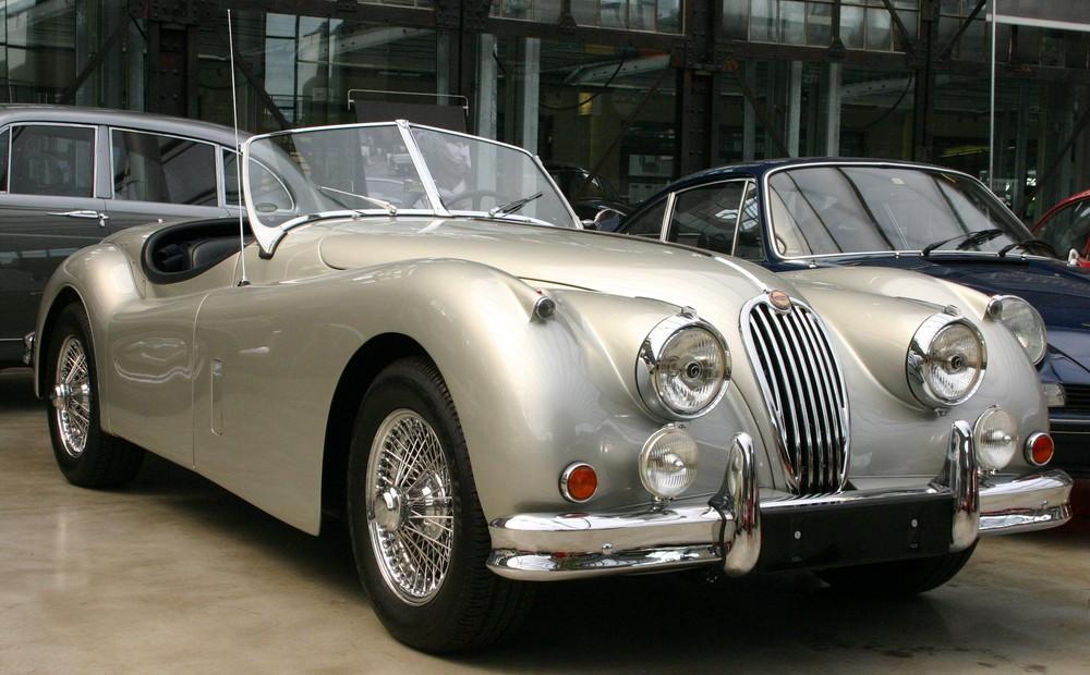 Jaguar XK 120 in Silber