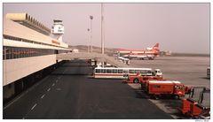 Jan. 1982 - Airport Teneriffa Süd      ©