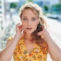 Jana Rahma Schauspielerin - Synchronsprecherin - Sängerin